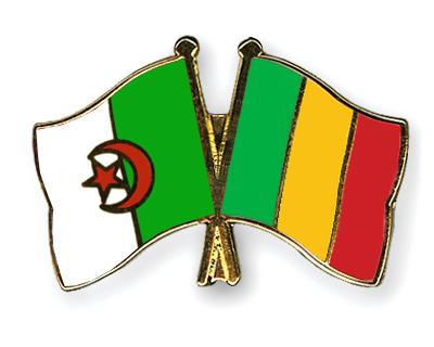 الجزائر : صلاحيات نائب وزير الدفاع الوطني - صفحة 14 Pins-Algerie-Mali